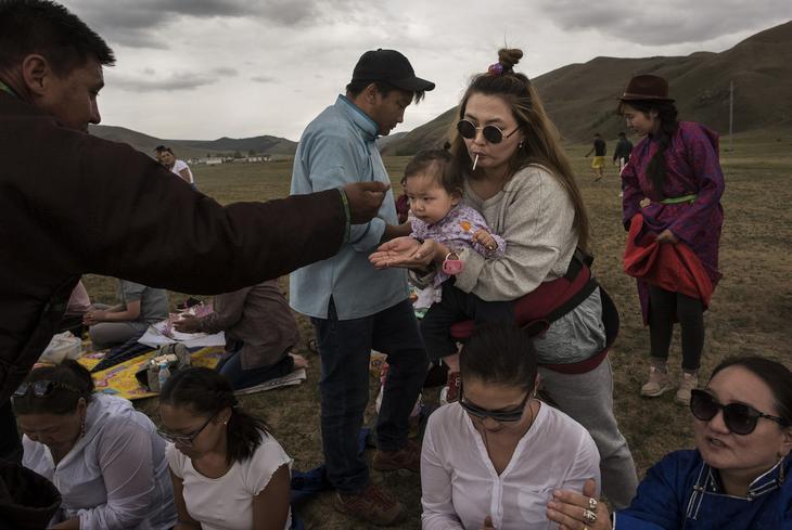 Shamanskie-ritualy-v-Mongolii 2