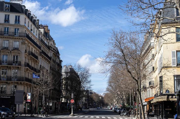 Улица в Париже, Франция
