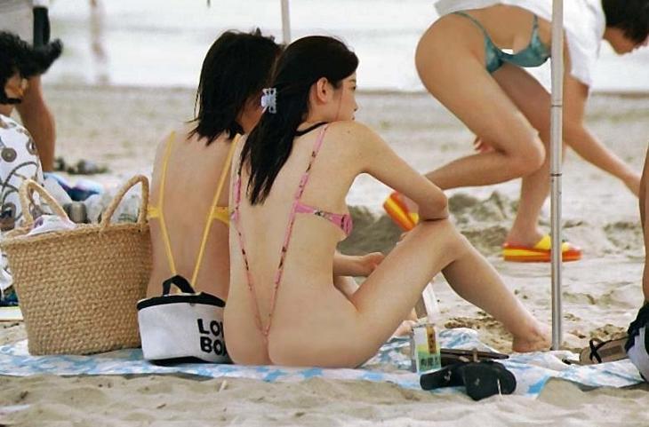 В этом году утопленников будет намного больше, чем в прошлом девушки, купальник, лето, прикол, юмор