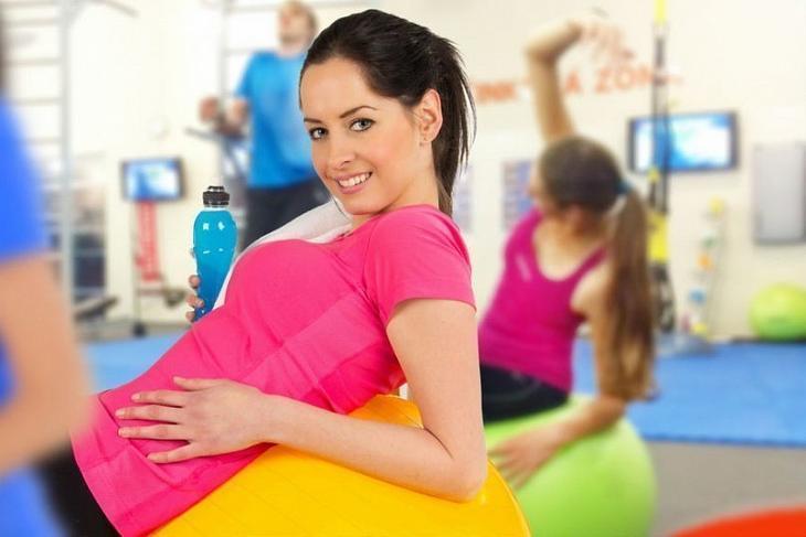 Занятия фитнесом во время месячных