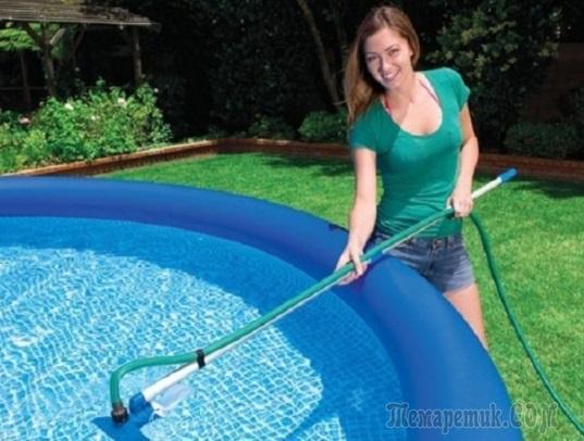 Как почистить бассейн своими руками без пылесоса?