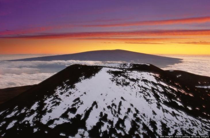 заснеженные природные места, снежные горы, природа в снегу, города под снегом