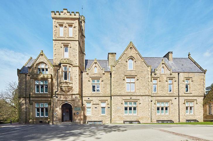 Богатая история замка-отеля Oddfellows On The Park в Англии