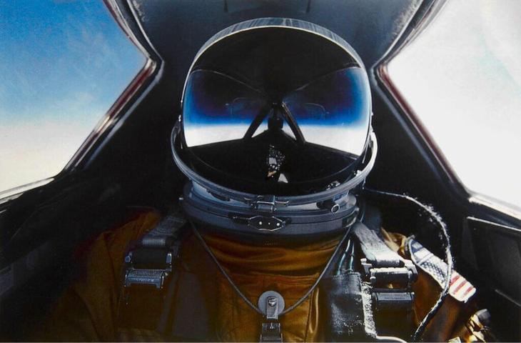 SR 71 Blackbird Pilot selfie Люси в небе с алмазами: селфи пилотов самолетов