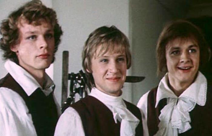 За кадром фильма «Гардемарины, вперед!»: почему пришлось поменять актерский состав, и кто назвал свою роль провалом