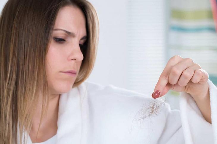 Норма выпадения волос в день у женщин, мужчин