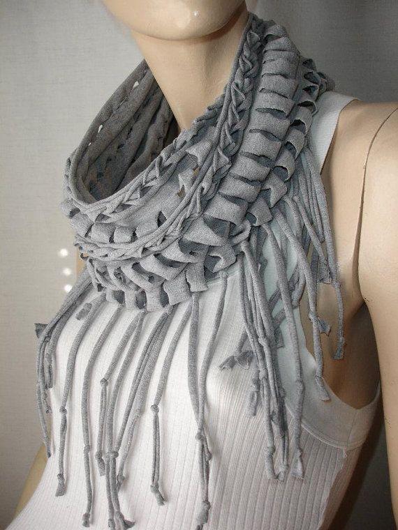 Текстильная бижутерия из старых футболок