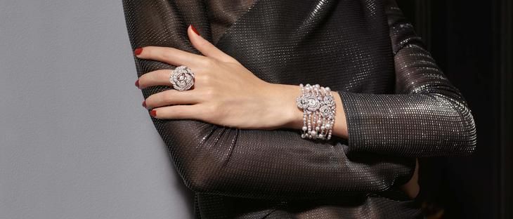 Бижутерия с кристаллами от Chanel