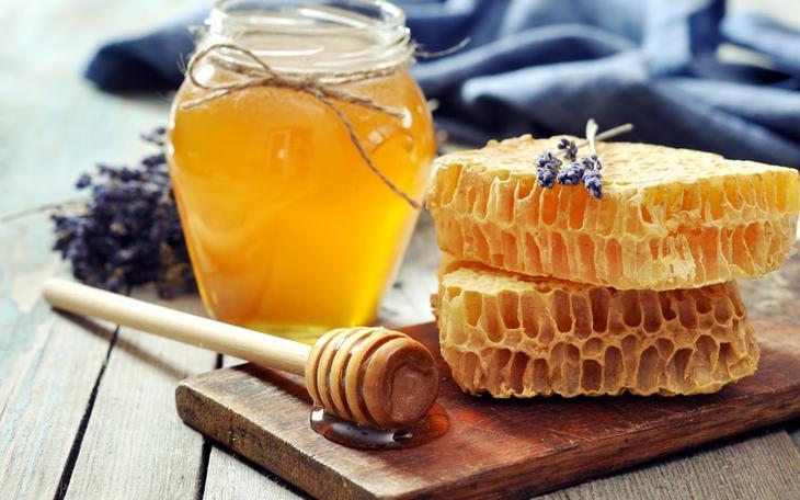 Путь к здоровью через очищение кишечника с помощью меда и воды