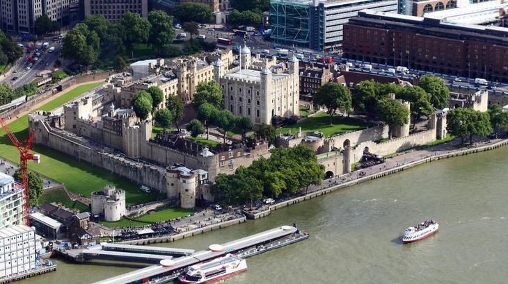 Лондонский Тауэр. 10 Чудес Лондона. Фотографии красивых мест Лондона. Фото с сайта NewPix.ru