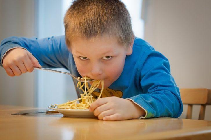 Привычки, которые выдают человека, выросшего в бедной семье