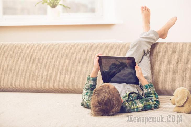 С какого возраста ребенка можно оставлять одного дома по закону в РФ в 2020 году?