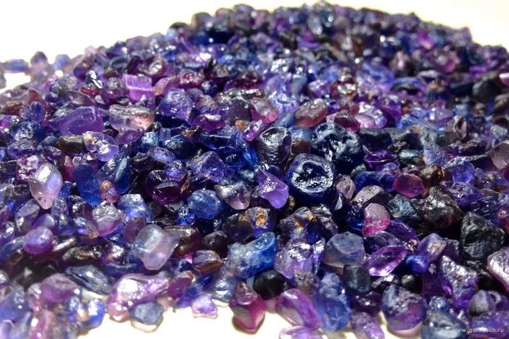 Какие лечебные и магические свойства имеет камень сапфир
