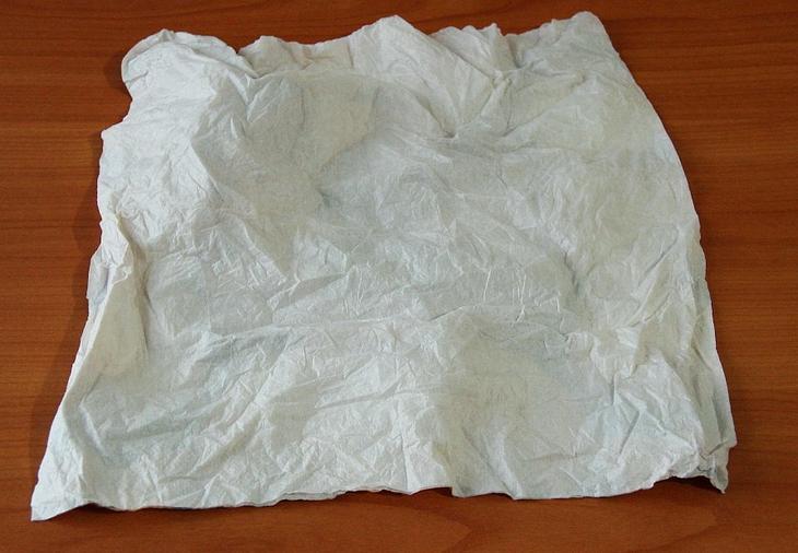 Мятая салфетка