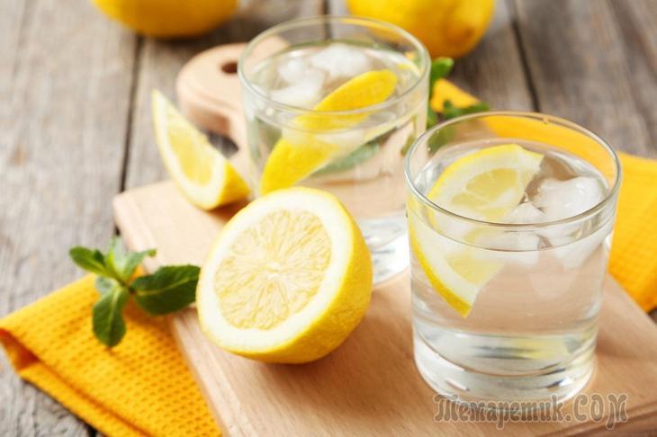 Теплая вода с лимоном на ночь
