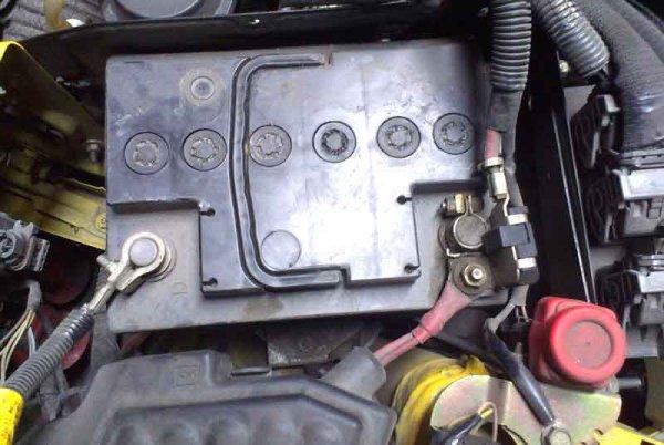 Как взрывается аккумулятор автомобиля