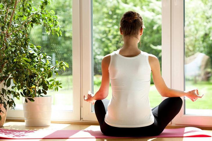Йога — отличный способ физической нагрузки и очищения мыслей