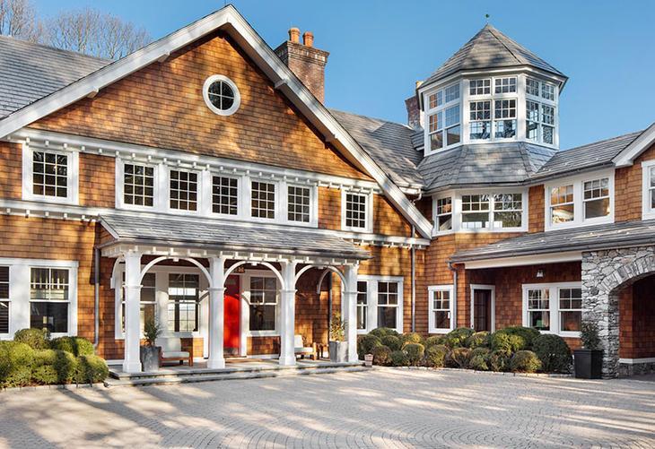 Как живет «Крепкий орешек»: огромный дом Брюса Уиллиса, который он выставил на продажу