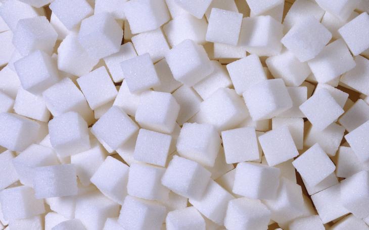 Сахар Сахар это реально белая смерть. Откажитесь от него немедленно: люди, злоупотребляющие сахаром серьезно рискуют познакомиться с Альцгеймером в очень раннем возрасте. Кроме того, сахар провоцирует и онкологические заболевания.