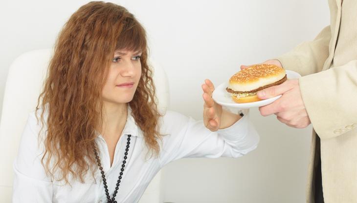 Фаст-фуд негативно влияет на работу поджелудочной железы