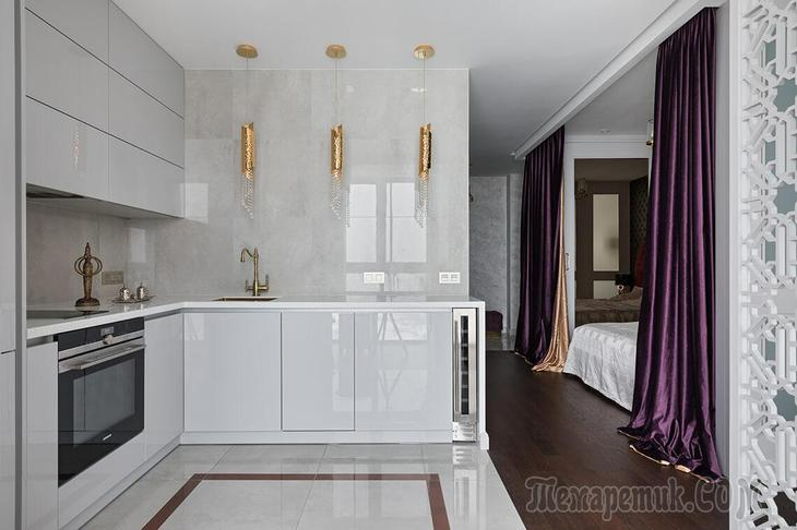 Как в «однушке» поместилась спальня, гостиная, полноценная кухня и даже небольшая кальянная