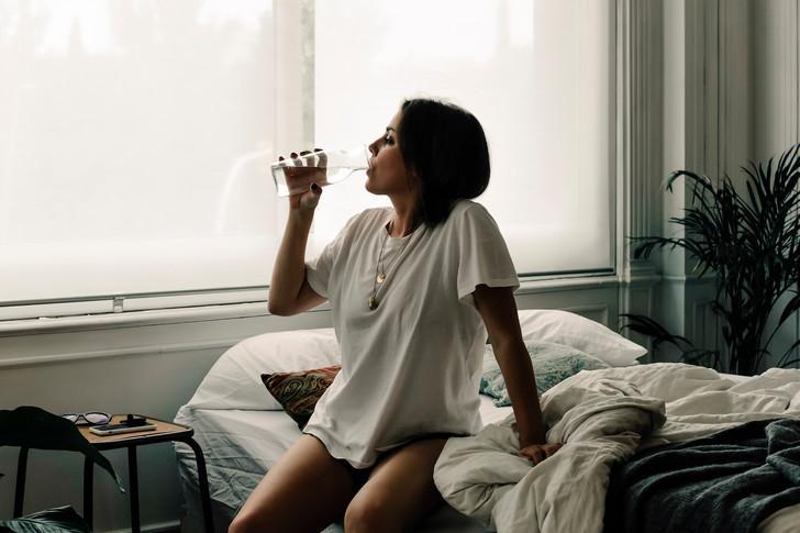 Вода натощак приводит к раку, сок до еды — к диабету: что еще нельзя на голодный желудок