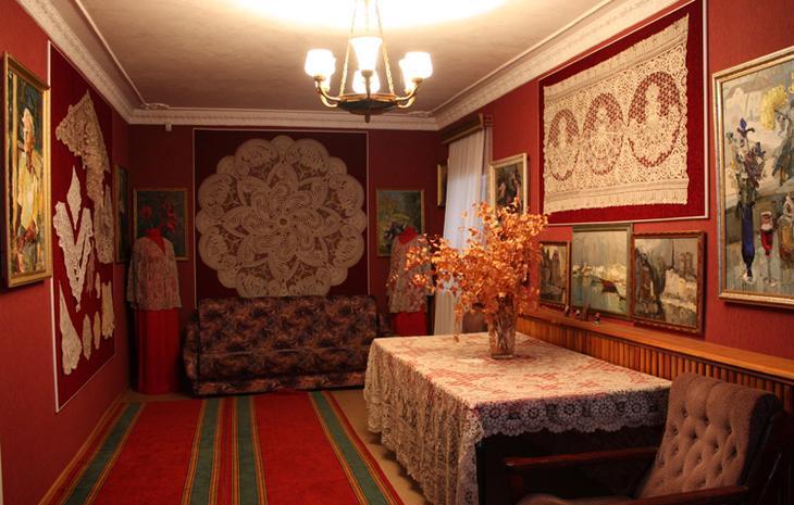 Внутри музея кружев