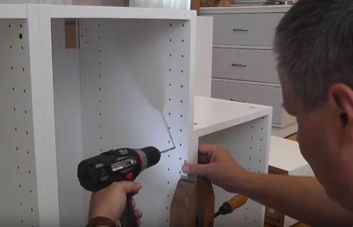 Как хакнуть IKEA: отец специально приобрел кухонные буфеты и сделал из них весьма нужную вещь для своей дочери