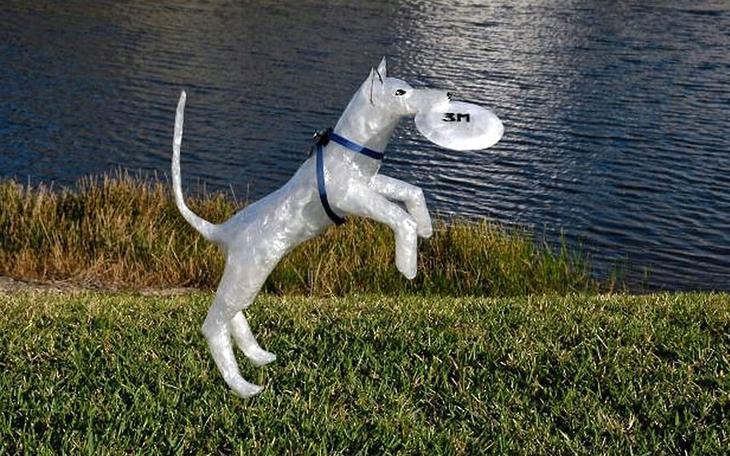 William B Джек попрыгунчик Лучшие работы конкурса скульптур из скотча Off the Roll 2012
