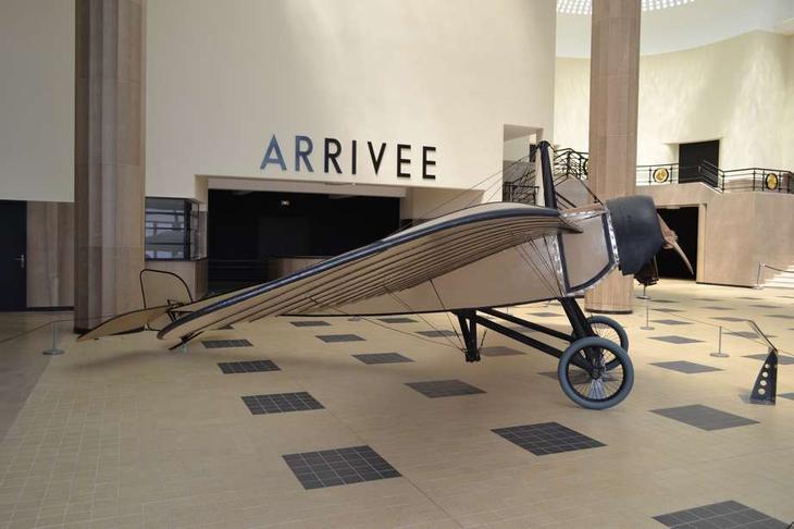 Французские монопланы Моран тип G и Депердюссен тип В. С такими аэропланами Антанта вступила в империалистическую войну в августе 1914 г.