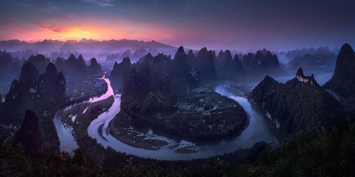 Пейзаж на рассвете в провинции Гуанси в Китае