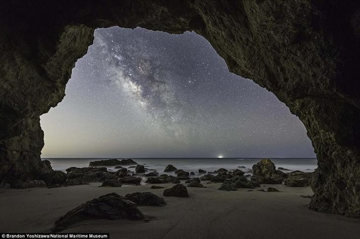 Млечный путь в Малибу. Брендон Йошизава, США астрономия, конкурс, космос, красиво, лучшее, планеты, фото, фотографы