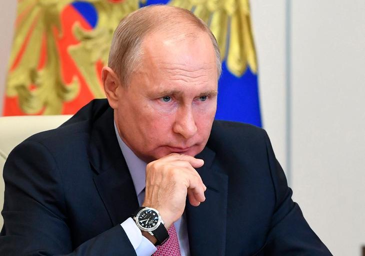 «Великой державой» Россию хотят видеть 32% граждан. Большинство – за страну «с высоким уровнем жизни»