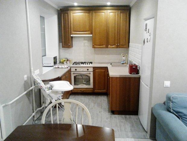 Кухня: 5,6 метра, в семье молодых врачей