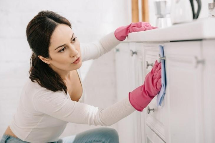 Зачем солить полы в кухне