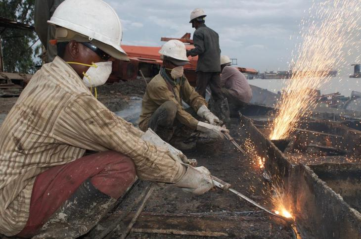 установление повышенной оплаты вредные условия труда