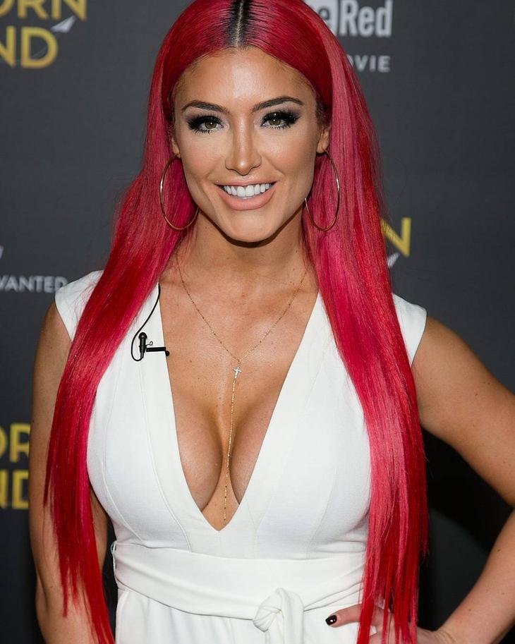 Красотки с красными волосами