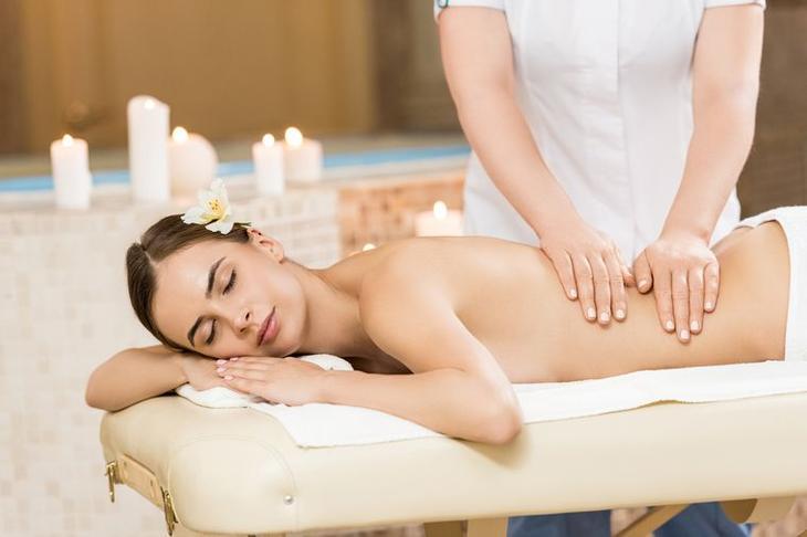 массаж в салоне