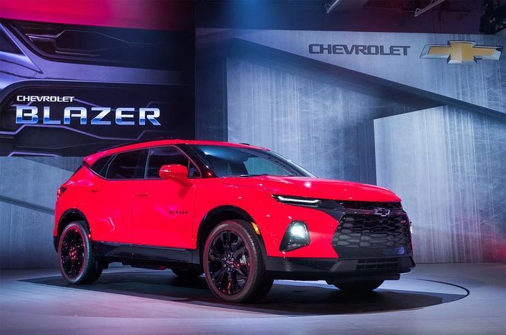 фото Chevrolet Blazer 2018-2019 вид спереди