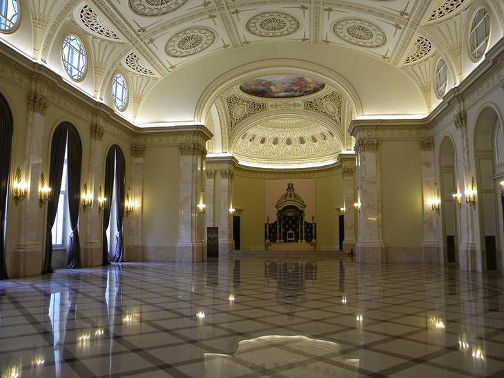 Внутри Дворца Парламента в Бухаресте, Румыния