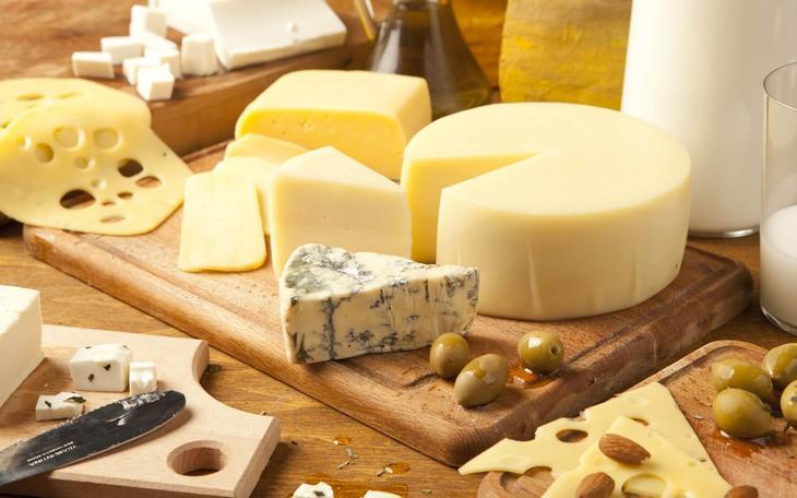 Сыры входят в список низкоуглеводных продуктов