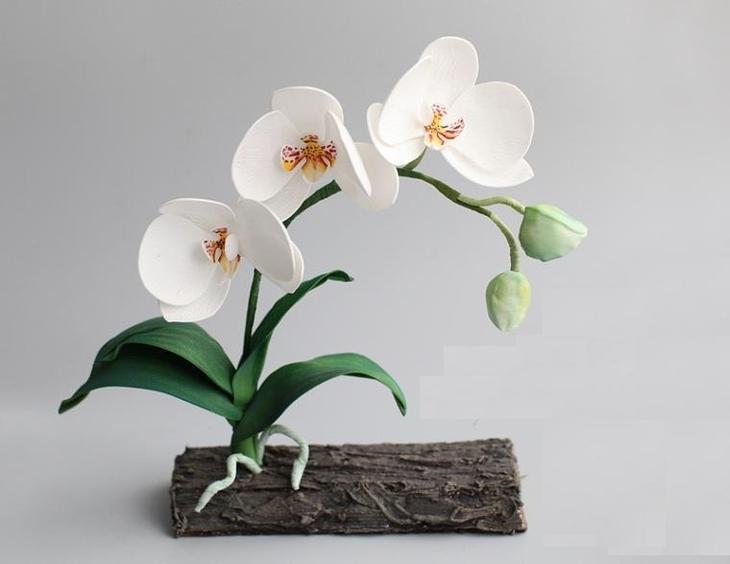Белая орхидея из фоамирана