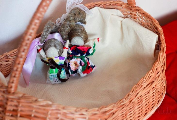 Куклу-оберег часто дарили как очень полезную и ценную вещь