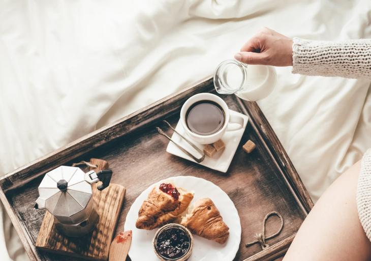 Что нужно есть на завтрак: лучшие и худшие продукты для желудка