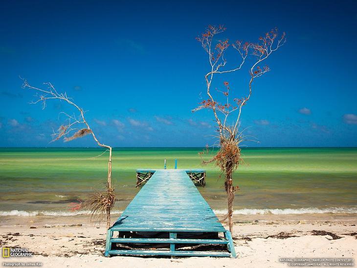 На побережье Кубы