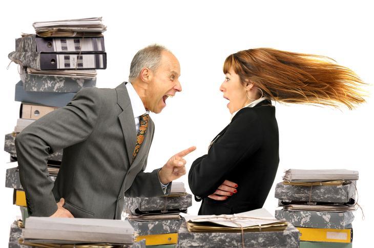 Начальник не подписывает заявление на увольнение: что делать?