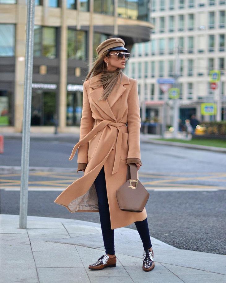 79f177152 Каждая женщина сможет найти для себя подходящий цвет наряда, и создать модный  образ, начиная от яркого красного и винного цветов и заканчивая спокойным  ...