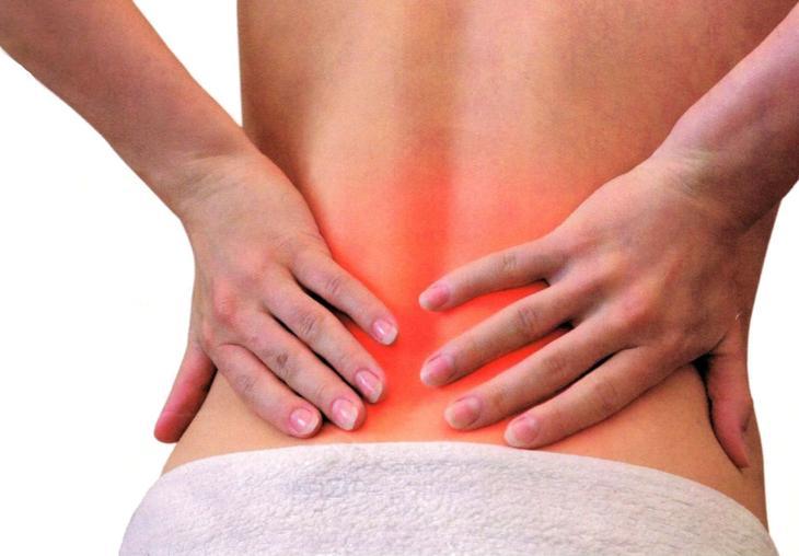 Боль в пояснице свидетельствует о нарушении функции почек от приема антибиотиков