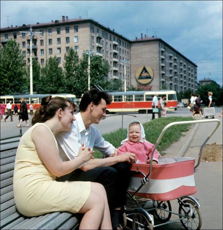 Говорят, что в Советском Союзе плохо жилось? Показываю фото настоящей жизни в те годы
