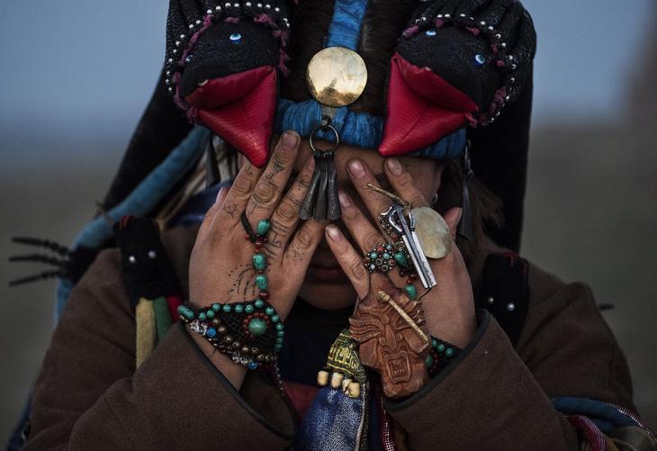 Shamanskie-ritualy-v-Mongolii 17
